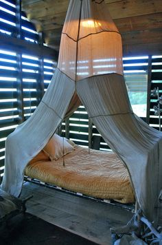 beach canopy bed
