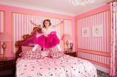 Pink + Stripes + the other white ruffled duvet = j'adore
