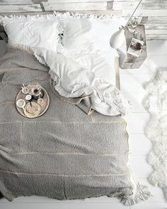........Breakfast in bed