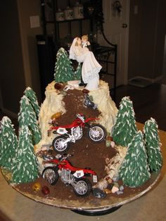 Dirt bike wedding cake - Kassie's Creative Cakes