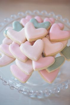 Falling in love just by looking at these cookies. Great idea to add to your dessert bar. #wedding #hearts #dessertbar #pink