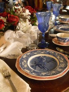 Nancy's Daily Dish: Red and Blue Transferware Tablescape For the 4th of July  http://nancysdailydish.blogspot.com/2012/06/red-and-blue-transferware-tablescape.html?utm_source=feedburner_medium=feed_campaign=Feed%3A+NancysDailyDish+%28Nancy%27s+Daily+Dish%29
