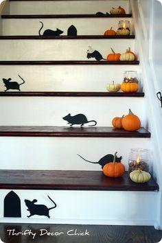 Martha Stewart mice on stairs #Halloween
