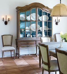 Great china cabinet. decor, dining rooms, room hutch, china cabinets, dine room, floor, chevron wood, blue insid, classic dine