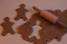 Gingerbread play-doh recipe and ideas for presentation
