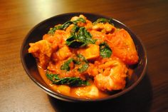 Chicken, spinach and sweet potato curry - just 389 calories for a huge portion.
