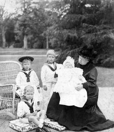 Queen Victoria with her great-grandchildren Prince Edward, Prince Albert, Princess Mary and Prince Henry