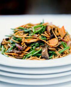 egg noodles and vegetables
