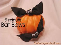 5 Minute Bat Bows for Halloween from BabesInHairland.com - Put them on sticks for adorable cupcake toppers