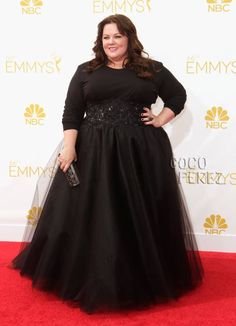 Melissa McCarthy's Style Is Just Too Dark & Dreary On The Emmys Red Carpet