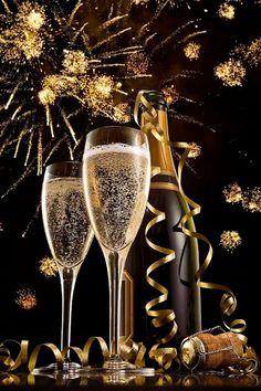 http://s-media-cache-ak0.pinimg.com/236x/2a/57/0a/2a570abd6ee0268ba36d41db5c2e3abc--happy-new-year-gif-merry-christmas.jpg