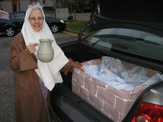 trunk or treat - woman at the well - now that's a good idea for a church trunk or treat!