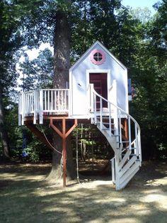 TREE HOUSE – amazing treehouse! Tiny Tree House