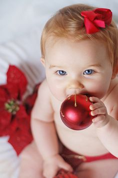 Great 1st Christmas photos for baby