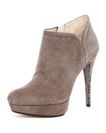 BEAUTIFUL. Michael Kors  Chelsea Suede Ankle Boot