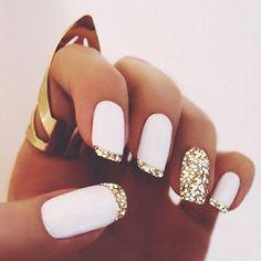 gold glitter, gold nails, white and gold nail designs, glitter nails, sparkly nails, party nails, art nails, white party makeup, nail art white and gold