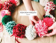 Pom Pom Wreath #diy #holidaywreath