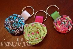 fabric flowers, gift ideas, easy keychains, scrap fabric, last minute, easi keychain, key rings, fabric scraps, rosett keychain