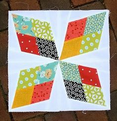 This Arkansas Traveler Quilt Block is a beautiful #block for star quilt patterns. The four-pointed star, pieced from rhombus shapes, is also known as Teddy's Choice, the cowboy star, or the travel star. A bit of paper piecing makes this block unique from other Arkansas Traveler blocks, but it also makes it more precise.