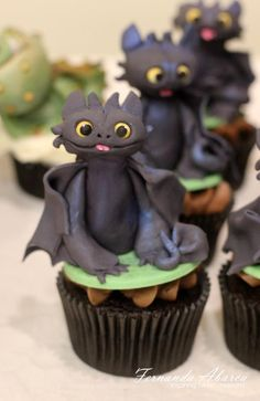 How to Train Your #Dragon #cupcakes! #Toothless