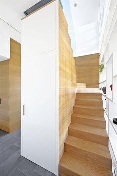L HOME - Abitazione privata - Ancona, Italy - 2011 - Carlo De Mattia #interiors #stair #design #architecture