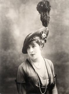 Spring hat by Lewis, Paris - Underwood and Underwood Photographic Collection (University of Kentucky)