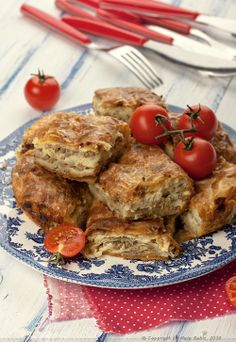 Provereni recepti. Cooks and Bakes: Zalivena pita sa mesom