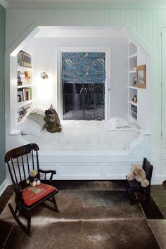 Adorable, cozy alcove bed & built-ins | P2 Design