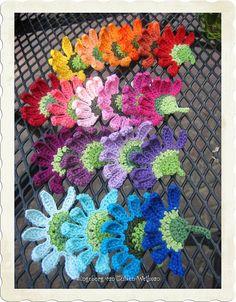 Crochet curly flower, via Flickr.