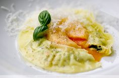 An extra dose of sunshine – Egg Ravioli » delicious:days