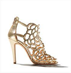 Resort Sandals: Oscar de la Renta + More