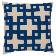 Cotton pillow in dark blue with a geometric motif.
