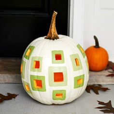 Geometric Painted Pumpkin from @FamilyCircle #Halloween