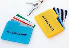 Tarjetero - portadocumentos de silicona. Disponible en 2 colores: turquesa (Mac) y amarillo (PC). $55 (pesos argentinos)