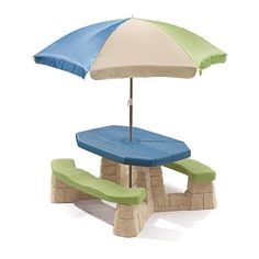 Step 2 Naturally Playful Picnic Table with Umbrella  alternate image