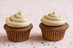 Gingerbread Cupcake with Cinnamon Cream Cheese Frosting