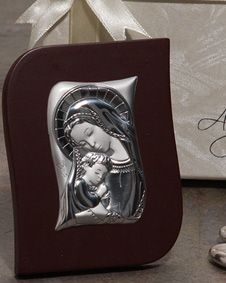Made In Italy Silver Madonna and Child. http://www.bluerainbowdesign.com/WeddingFavorProduct.aspx?ProductID=PR030311174987JA123456789XBRD98356=Pinterest