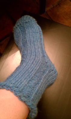 Knifty Knitter Loom Slipper Socks - KNITTING