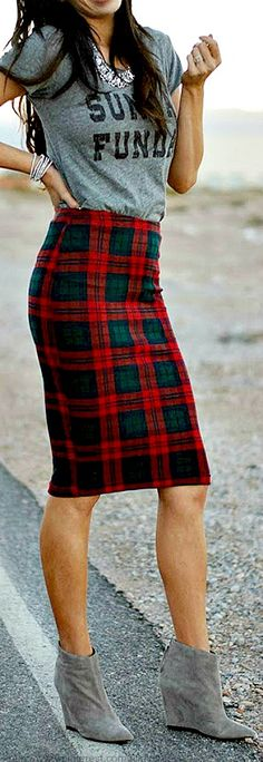 Street style - plaid and grey. Love the skirt and the Sunday funday shirt necklace combo @bkboyer