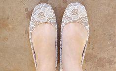 DIY Shoes Refashion: DIY Shoe Makeover: Graceful Lace Flats