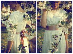 vintage wedding dress - Looooove!