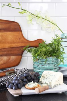 Kitchen Makeover On A Budget by @Deuce Cities Henhouse / Alison Allen