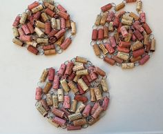 Pink and Tan Wine Cork Garland - fun decorating ideas for the holidays www.thewoodenbee.com