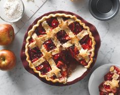 Get ready for the compliments. When you make our Blushing Cran-Apple Pie, everyone will want the recipe.