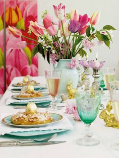 Love the aqua in this Easter table