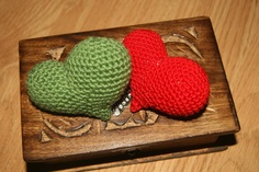 Star Flower Puffy Hearts - Free Crochet Heart Pattern