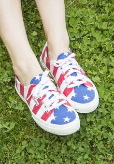 outfits, juli outfit, american flag shoes, flags, 4th of july, sneakers