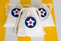 Easy appliqued muslin gift bags