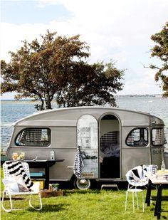 retro trailers, camper trailers, vintage trailers, sea, vintage caravans, camping outdoors, vintage travel trailers, vintag camper, vintage campers