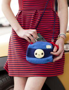 Smile! Camera Case | crochet today